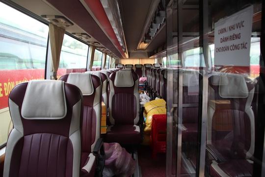 Quảng Nam đưa xe đón đồng hương, mang theo 100 tấn nông sản hỗ trợ TP HCM - Ảnh 13.