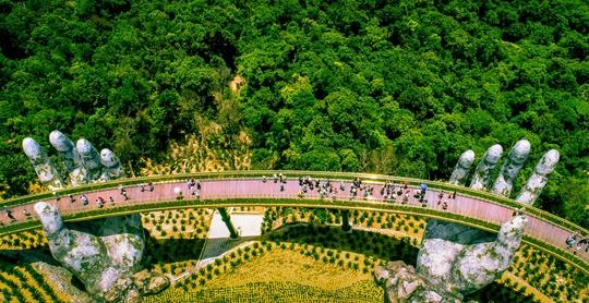 Những công trình du lịch Việt Nam khiến thế giới thán phục - Ảnh 2.