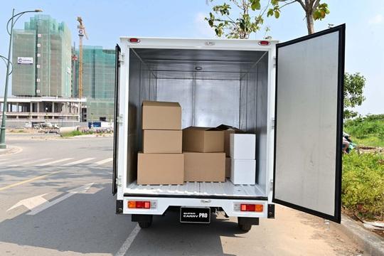 Đáp ứng nhu cầu vận chuyển hàng hoá thiết yếu trong giãn cách với Suzuki Carry Pro - Ảnh 2.