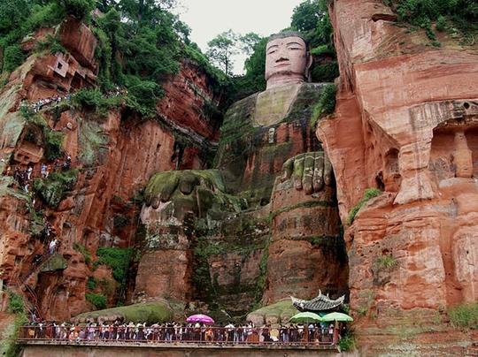 Choáng ngợp với 7 bức tượng lớn nhất thế giới - Ảnh 2.