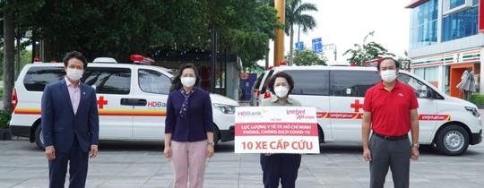 Chia sẻ yêu thương, nữ tỉ phú hỗ trợ nóng hơn 70 tỉ đồng cho những ngày giãn cách ở TP HCM - Ảnh 1.