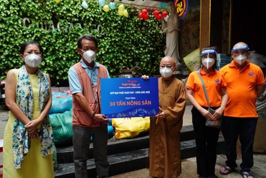Thực phẩm miễn phí cùng cả nước chống dịch nhận 30 tấn nông sản từ Quỹ Đạo Phật ngày nay - Ảnh 1.