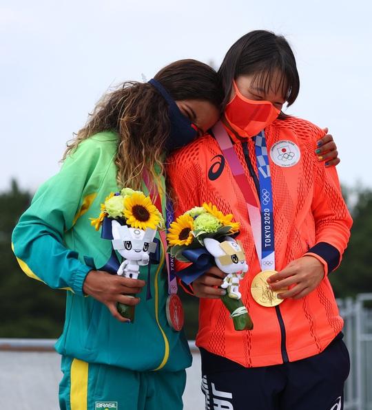 Sốc: Sao 13 tuổi giành huy chương vàng Olympic Tokyo - Ảnh 13.