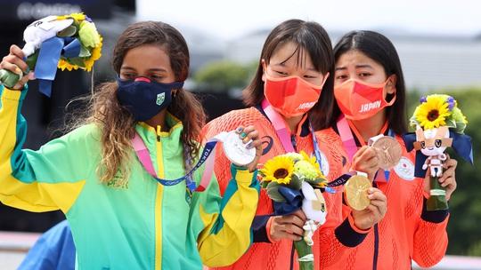 Sốc: Sao 13 tuổi giành huy chương vàng Olympic Tokyo - Ảnh 11.