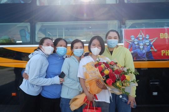 Quảng Bình chi viện 29 y bác sĩ vào TP HCM chống dịch - Ảnh 4.