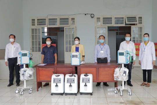 Tạo Tín Phát và Kavi Group hỗ trợ thiết bị cho Bệnh viện dã chiến TP Đồng Xoài - Ảnh 2.