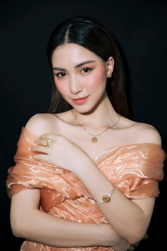 Hòa Minzy và nhiều nghệ sĩ ủng hộ quỹ vắc-xin, phòng chống dịch Covid-19 - Ảnh 1.