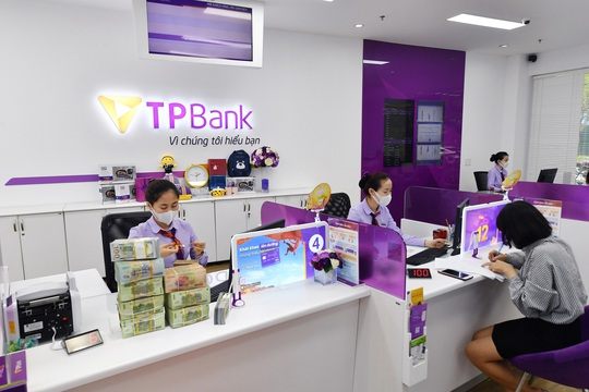 Nhiều ngân hàng tiếp tục lãi lớn - Ảnh 1.