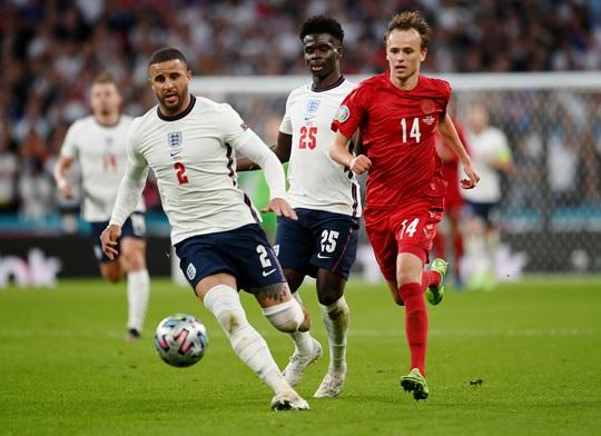 Được hưởng phạt đền, tuyển Anh vào chung kết Euro 2020 - Ảnh 1.