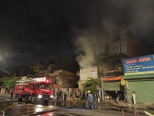 Cháy nhà số 1005  Phan Văn Trị,  quận Gò Vấp - TP HCM - Ảnh 1.
