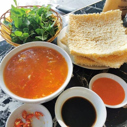 Những món cơm nổi tiếng từ Bắc vào Nam - Ảnh 1.