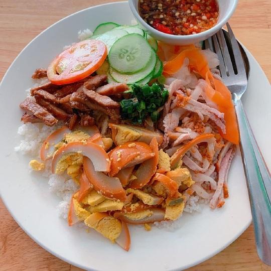 Những món cơm nổi tiếng từ Bắc vào Nam - Ảnh 6.