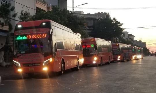 Phú Yên nâng tần suất đưa nhanh công dân vùng có dịch về quê - Ảnh 1.