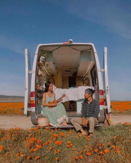 Vợ chồng Việt làm nhà di động đi khắp nước Mỹ - Ảnh 1.