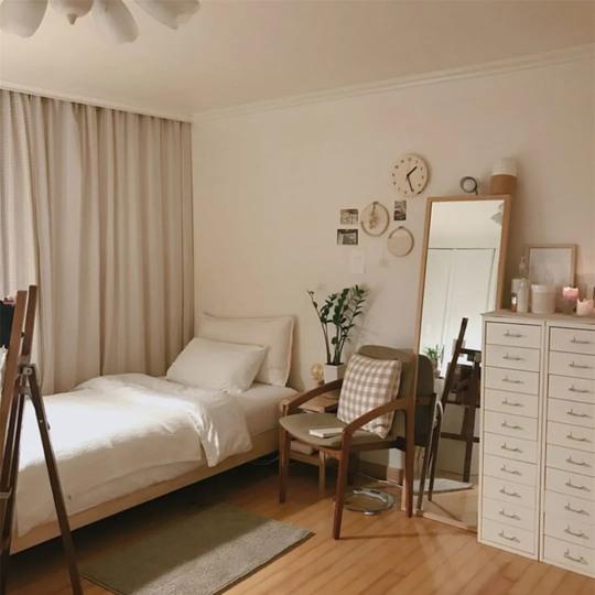 Hô biến phòng ngủ nhỏ trở nên rộng rãi - Ảnh 1.