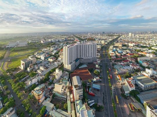 Nguồn cung căn hộ tại TPHCM sụt giảm - Ảnh 1.