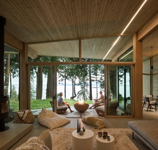 Ngắm nhìn cabin tuyệt đẹp nằm gần rừng Vancouver - Ảnh 4.
