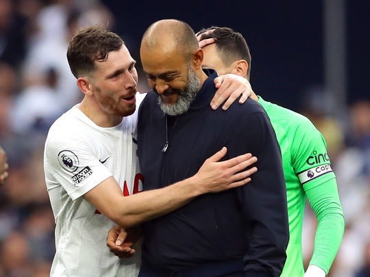 Harry Kane bị HLV trưởng Tottenham cảnh cáo, gạch tên - Ảnh 1.