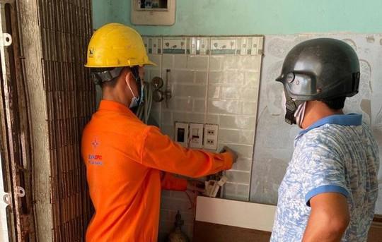 Miền Trung: Mức tiêu thụ điện hộ gia đình tăng do nắng nóng và dịch bệnh - Ảnh 4.