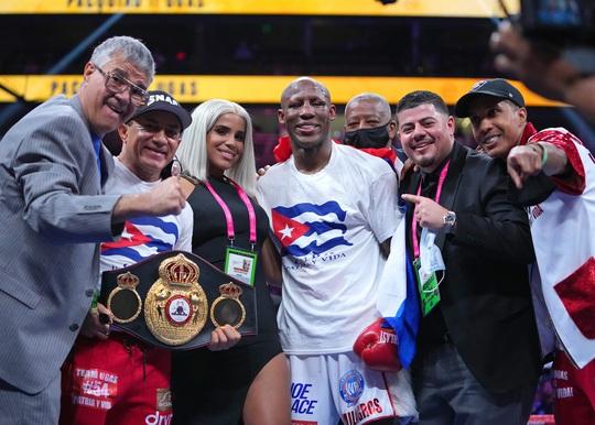 Manny Pacquiao thất bại trong trận tranh đai vô địch WBA hạng bán trung - Ảnh 3.