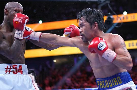 Manny Pacquiao thất bại trong trận tranh đai vô địch WBA hạng bán trung - Ảnh 1.
