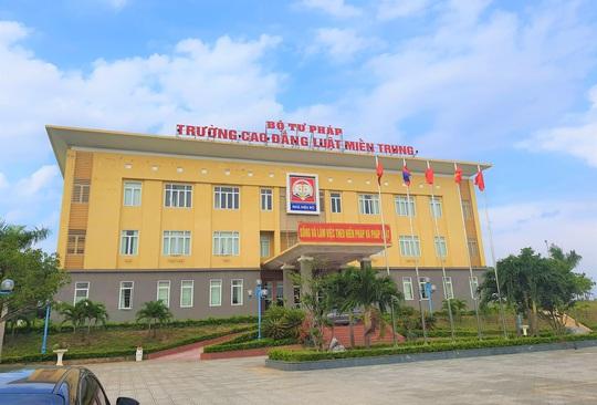 Hai chuyến bay chở gần 400 bà bầu, trẻ em từ TP HCM về đến Quảng Bình - Ảnh 16.