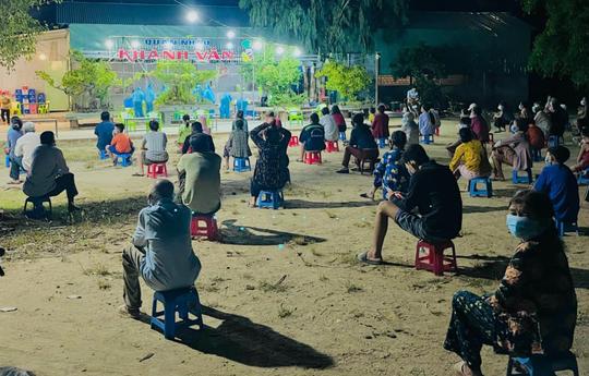 Bình Định xuất hiện 2 ổ dịch chưa rõ nguồn lây trong khu dân cư và Bệnh viện Đa khoa tỉnh - Ảnh 1.