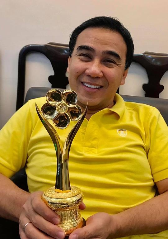 """MC Quyền Linh tham gia chương trình """"Dân hỏi – Thành phố trả lời"""" - Ảnh 2."""