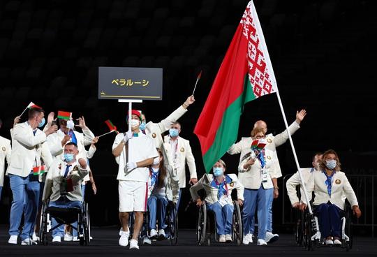Khai mạc Paralympic Tokyo: Sắc màu của nhân văn và tình người - Ảnh 6.