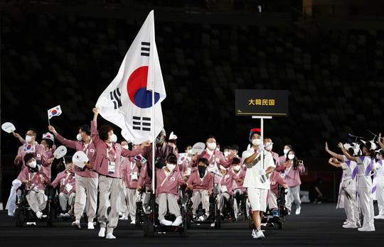 Khai mạc Paralympic Tokyo: Sắc màu của nhân văn và tình người - Ảnh 5.