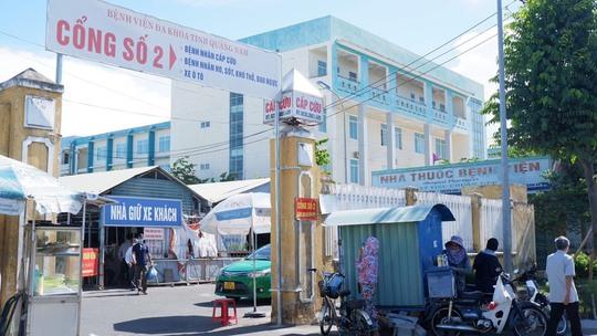 Điều tra vụ ẩu đả tại Bệnh viện Đa khoa Quảng Nam - Ảnh 1.