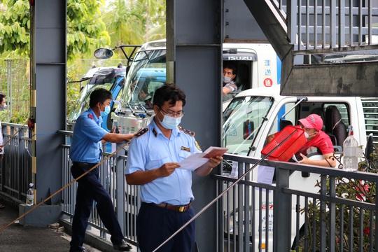 Cần Thơ kiến nghị Thủ tướng giữ nguyên biện pháp chống dịch trong vận chuyển hàng hoá - Ảnh 10.
