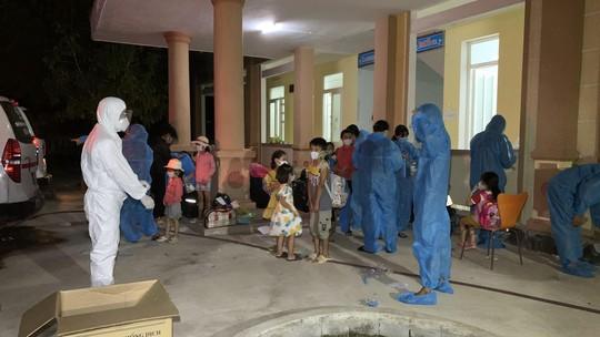 Quảng Bình xuất hiện thêm nhiều ổ dịch mới, Viện Pasteur Nha Trang cử đoàn chi viện - Ảnh 2.