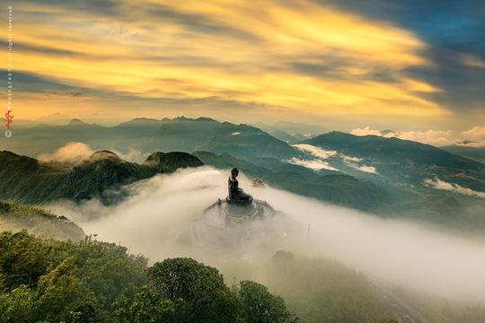 Khám phá những đỉnh núi thiêng tại Việt Nam - Ảnh 3.