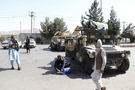 Taliban bắn chết một ca sĩ ở Afghanistan - Ảnh 1.