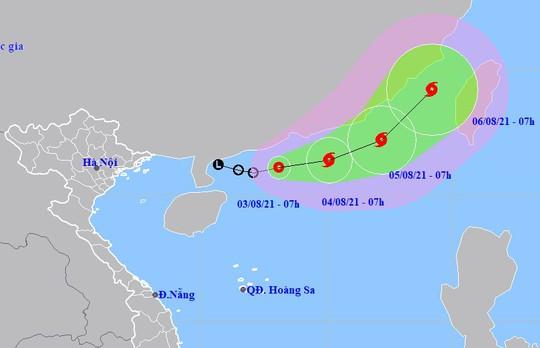 Áp thấp nhiệt đới trên Biển Đông, khả năng sớm mạnh lên thành bão - Ảnh 1.