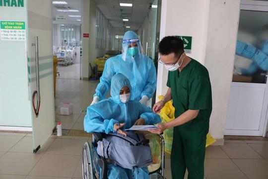 Hai nữ bệnh nhân mắc Covid-19 nguy kịch thoát ECMO ngoạn mục - Ảnh 2.