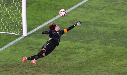 Tuyển Brazil thắng luân lưu, lọt vào chung kết Olympic Tokyo 2020 - Ảnh 7.