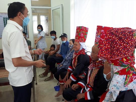 75% người dân huyện biên giới Bình Liêu tiêm vắc-xin Sinopharm - Ảnh 1.