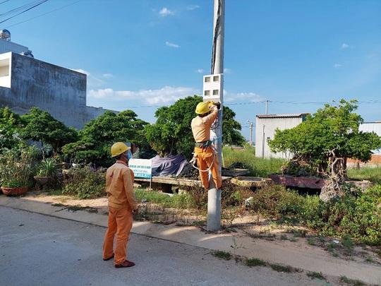 PC Quảng Ngãi: Đảm bảo cấp điện tại các khu vực giãn cách theo Chỉ thị 16 - Ảnh 1.