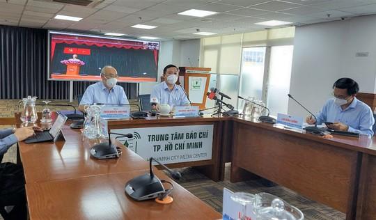 TP HCM bắt đầu đợt 6 tiêm vắc-xin ngừa Covid-19, 1 triệu liều Sinopharm  Bắc Kinh còn chờ kiểm định - Ảnh 1.