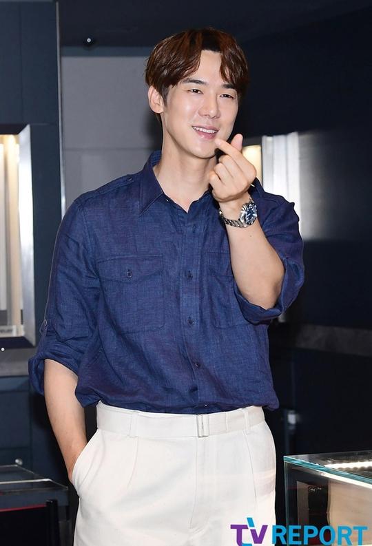 Yoo Yeon Seok - nghệ sĩ đa tài của showbiz Hàn - Ảnh 10.