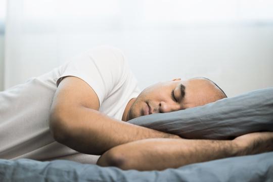 """Chạy chữa """"tật""""… vô tâm khi ngủ - Ảnh 1."""