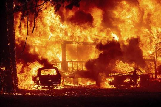 Thị trấn Greenville của bang Califorbia bị xóa sổ trong biển lửa - Ảnh 4.
