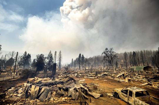 Thị trấn Greenville của bang Califorbia bị xóa sổ trong biển lửa - Ảnh 7.