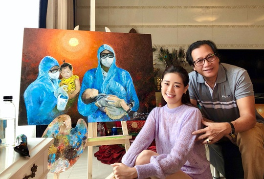 Ngỡ ngàng hoa hậu Khánh Vân để mặt mộc, trổ tài vẽ tranh - Ảnh 2.