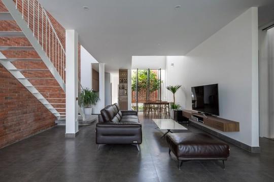 Cải tạo nhà cũ một tầng thành 3 tầng thông thoáng và tiện nghi - Ảnh 5.