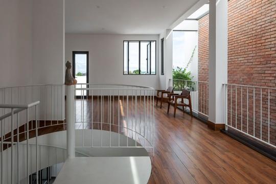 Cải tạo nhà cũ một tầng thành 3 tầng thông thoáng và tiện nghi - Ảnh 9.