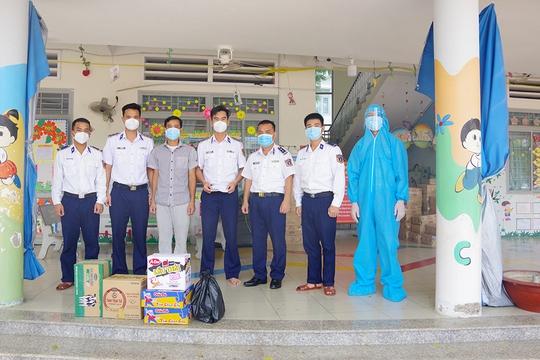 Thăm, kiểm tra công tác kiểm soát, phòng chống dịch bệnh Covid-19 của Cảnh sát biển - Ảnh 5.