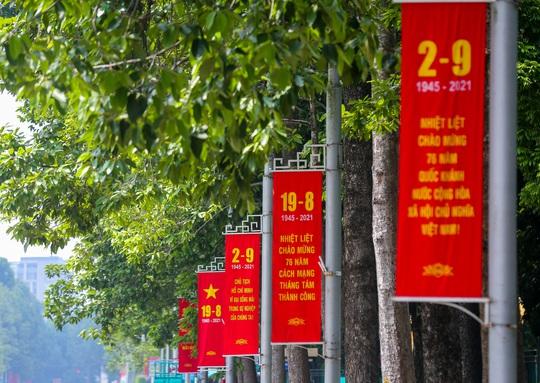 Hà Nội thực hiện nghiêm giãn cách xã hội trong ngày Quốc khánh 2-9 - Ảnh 2.